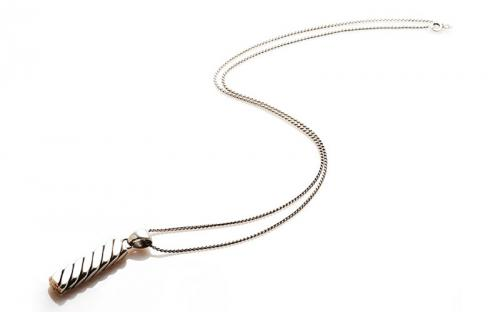 PEPERO NECKLACE